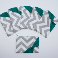 Bridesmaid Gift - Set of (6) Six Cosmetic Clutches / Makeup Bags - Gray Chevron with Emerald Green Side Bow