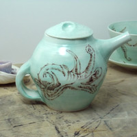 20 oz. Porcelain Green Octopus Teapot