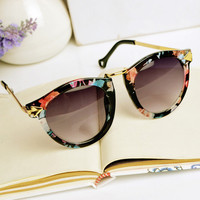 Flora Print Cat Eye Sunglasses A001