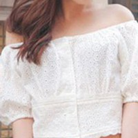 Off-shoulder Cropped T-shirt in Crochet Lace