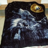 Amazon.com: Wolf and the Chief, Mink Style Queen Size Soft & Warm Blanket: Home & Kitchen