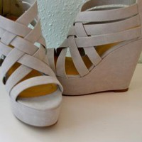 Criss Cross Wedge Gray