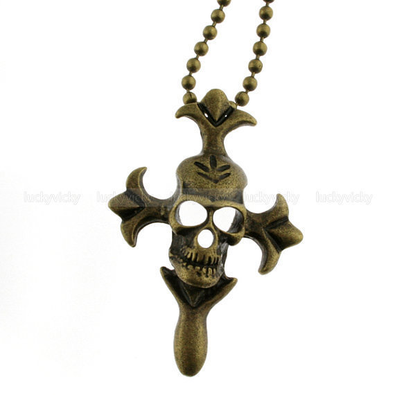 Vintage pirate necklace Skull necklace by luckyvicky on Etsy