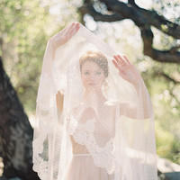 Wedding Veil, Polka dot veil, lace, Circular lace veil - Allure