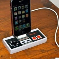 Rock Dock Nintendo Controller iPod/iPhone Dock by GeekUnique