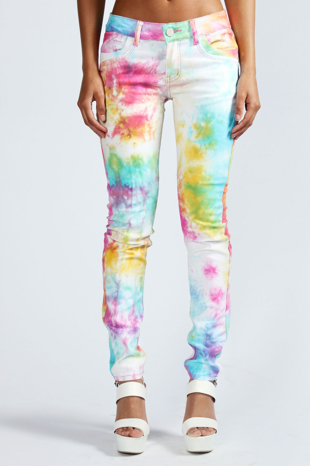 Here is an easy way to get yourself some tie-dye destroyed jeans. What you will need: 1. White jeans-you can use jeans that have been a little dirty because hey you are going to dye them anyways.