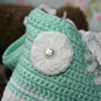 Crochet Baby Booties High Top Converse Style Pattern : Baby girl Hi Top sneaker booty Crochet from ...