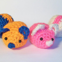 Cat nip filled cat toy mouse and ball, with my own organic five catnip blend in bright pink n white and orange n blue
