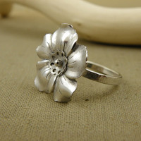 Flower ring , sterling silver ring , metalwork jewelry , silver romantic ring , statement ring