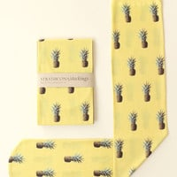 Strathcona Stockings Pineapple Printed Sock