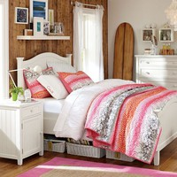 Beadboard Curved Headboard Bed + Trundle