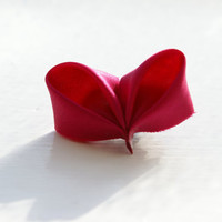 Fuschia Kanzashi Heart Brooch Pin by cuttlefishlove on Etsy