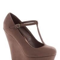Take It from the Taupe Wedge | Mod Retro Vintage Wedges | ModCloth.com
