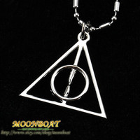 Men Women Necklace Silvery Alloy Deathly Hallows Necklace