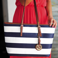 Going Place Purse: Navy/White | Hope's