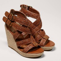 DV by Dolce Vita Talor Wedge | American Eagle Outfitters