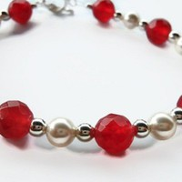 Cranberry Quartz and Swarovski Pearl Bracelet