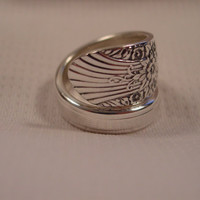 A Pretty Spoon Ring Size 7 1/2 Radiance Pattern Vintage Silverware Rings t129