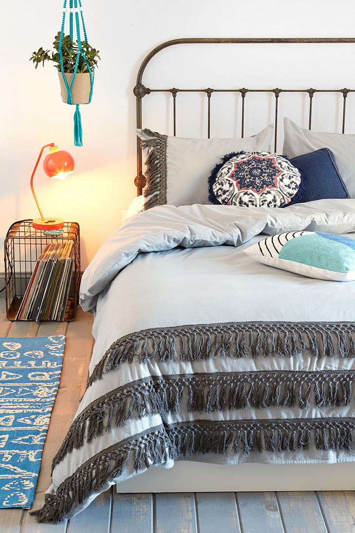 Shop women's clothing, accessories, home décor and more at Urban Outfitters's Palo Alto store. Get directions, store hours and additional bushlibrary.mlon: Stanford Shopping Center, Palo Alto, , CA.