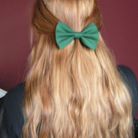 Hair Bow, hair bows, green hair bow, hunter green, fabric bow, bow for girls, women, bow in hair