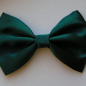 Hair Bow - Hunter Green Satin Fabric Hair Bow, Fabric hair bows, hair bows for women, hair bows for teens, Bow, Green Bow