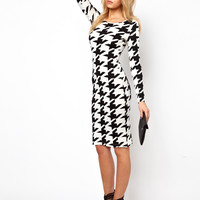 Lavish Alice | Lavish Alice Midi Dress In Houndstooth Print at ASOS