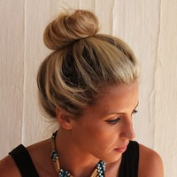 Easy Bun Tutorial: Three Quick Tricks! - Free People Blog