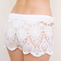 Crochet beach shorts in cotton Custom made to order by katrinshine