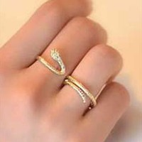 Boutique creative double finger snake ring from Topboutique