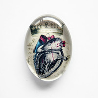 25x18mm handmade glass cabochon - anatomical heart with crown - antique illustration