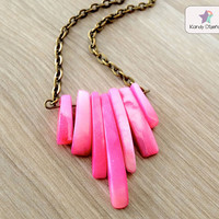 Triangle fuschia necklace Pink and bronze necklace by KandyDisenos