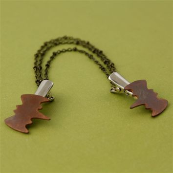 Bats & Chains Sweater Clip - Spiffing Jewelry