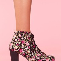 Lita Platform Boot - Floral in Shoes at Nasty Gal
