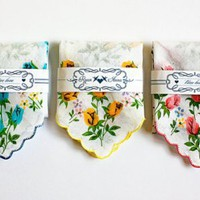 Save-the-Date hankies on Etsy Â«