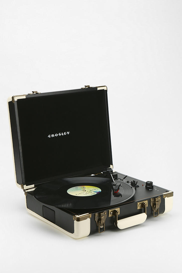 crosley executive usb portable vinyl from urban outfitters epic. Black Bedroom Furniture Sets. Home Design Ideas