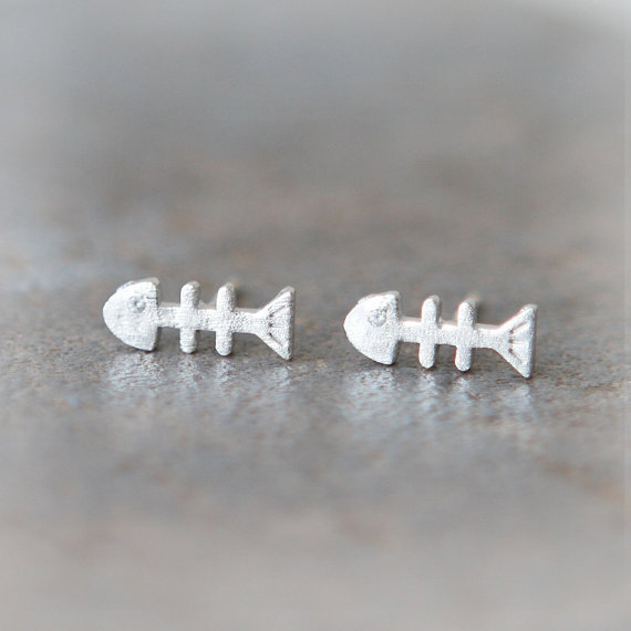 Cute fishbones earrings by laonato on Etsy