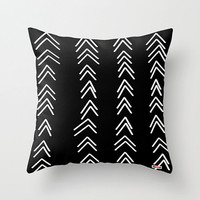 Decorative throw pillow cover - Black and white pillow cover - Arrow pillow cover - designer pillow cover - Modern pillow cover