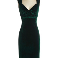 ModCloth Pinup Long Sleeveless Shift Lady Love Song Dress in Emerald Velvet