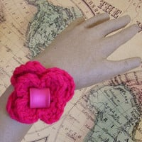 Chic Fuchsia Bracelet with Flower and Square Bead, Crochet