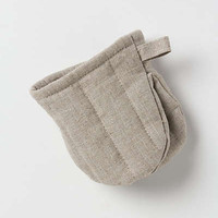 Oyster Ash Oven Mitt by Anthropologie Grey One Size House & Home