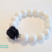 White Onyx Beaded Elastic Bracelet with Black by KathyHartJewels