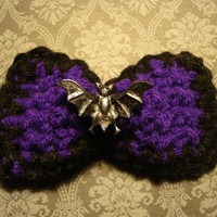 Halloween Purple and Black Glittering Black Bat crochet hair bow clip -Halloween costume - purple - vampire bow - vampiress - black- holiday