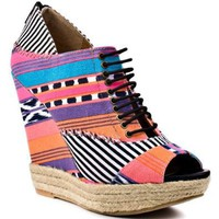Women's Shoe Make My Day - Tribal Stripe Pink by Chinese Laundry
