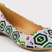 Qupid TESSA-200 Tribal Print Flats