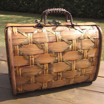 Vintage Woven Wooden Purse handbag with metal clasp by MagpieSue