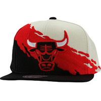 Mitchell And Ness Chicago Bulls NBA Paintbrush Wool Snapback Cap (white / red / black) Caps NG77Z-5BULLSWRB | PickYourShoes.com