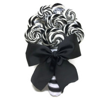 Lollipop Wedding Bouquet (Black/White)