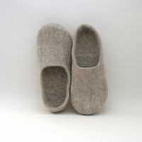 Felted slippers Neutral  natural beige wool clogs  by AgnesFelt
