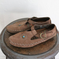 Vintage 80s Brown Cut Out T-Strap Leather Moccasins // Women's Flats Sz 8