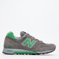 New Balance / 1300 in Grey/Green